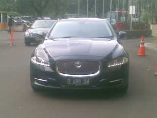 rental mobil jaguar XJL, sewa mobil jaguar, rent car jaguar